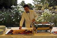 Camerieri al lavoro. Waiters at work...Villa Grazioli è un raffinato albergo della catena internazionale Relais & Chateaux..Fu costruita dal Cardinale Antonio Carafa nel 1580 e racchiude tra le sue mura opere d'arte dei maestri del XVI e XVII secolo, Ciampelli, Carracci e G.P. Pannini. .Villa Grazioli is a sophisticated international hotel chain Relais & Chateaux. .It was built by Cardinal Antonio Carafa in 1580 and contains works of art of the sixteenth and seventeenth century, of Ciampelli, Carracci and GP Pannini....
