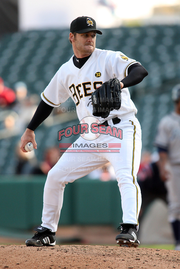 April 27, 2009:  Rich Tompson of the Salt Lake Bees, Pacific Cost League Triple A affiliate of the Los Angeles (Anaheim) Angles, during a game at the Spring Mobile Ballpark in Salt Lake City, UT.  Photo by:  Matthew Sauk/Four Seam Images
