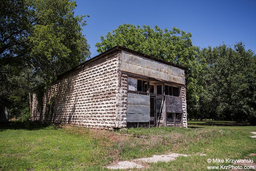 "Abandoned ""Mitchell's Mkt. & Groc."" Store in Drury, KS"