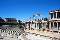MÉRIDA- ESPAÑA- 02-07-2005. Teatro romano de Mérida, se encuentra en el cerro de San Albín. Aún hoy, después de más de 2000 años de su construcción sigue siendo el lugar donde se lleva a cabo el Festival Internacional de Teatro Clásico.  Merida Roman Theatre is located in the hill of San Albín. Even today, after more than 2000 years of its construction  is where the International Classical Theatre Festival takes place. (Photo: VizzorImage)...............