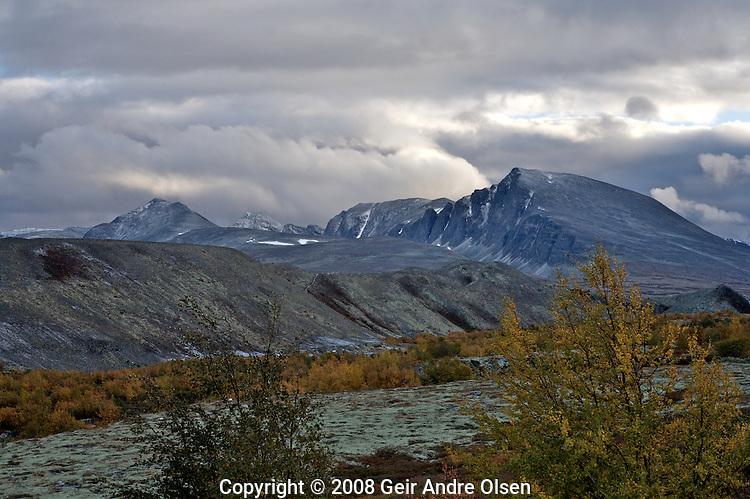 The peak Digerronden in Rondane, Norwegian national park at fall