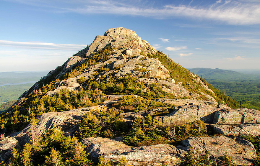 The rough and tumble, boulder jumble, summit of Mt Chocorua from up close and personal.