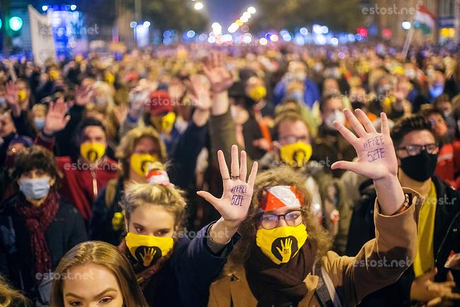 Hungary: Kulturkampf - news