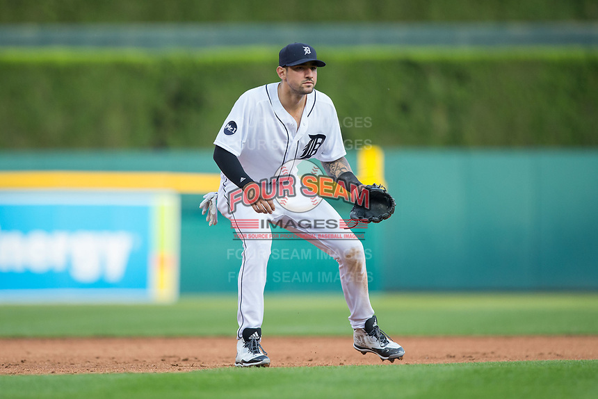 Detroit Tigers third baseman Nick Castellanos (9) on defense against the Chicago White Sox at Comerica Park on June 2, 2017 in Detroit, Michigan.  The Tigers defeated the White Sox 15-5.  (Brian Westerholt/Four Seam Images)