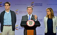 BOGOTÁ - COLOMBIA, 10-11-2014. Juan Manuel Santos, Presidente de Colombia, expresa su confianza en los 430 atletas durante la entrega del pabellón nacional a la delegación de deportistas que representará a Colombia en los Juegos Centroamericanos y del Caribe Veracruz 2014./ Juan Manuel Santos, President of Colombia, expressed his confidence on the 430 athletes during the delivery of the national pavilion to the delegation of athletes who will represent Colombia at Juegos Centroamericanos y del Caribe Veracruz 2014. Photo: VizzorImage /  Juan pablo Bello - SIG / HANDOUT PICTURE; MANDATORY EDITORIAL USE ONLY/ NO MARKETING, NO SALES