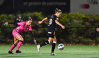 Madison Hudson (8 Charleroi) pictured defending on Aalst's Daisy Baudewijns during a female soccer game between Sporting Charleroi and Eendracht Aalst on the 8th  matchday of the 2020 - 2021 season of Belgian Scooore Womens Super League , friday 20 th of November 2020  in Marcinelle , Belgium . PHOTO SPORTPIX.BE | SPP | DAVID CATRY
