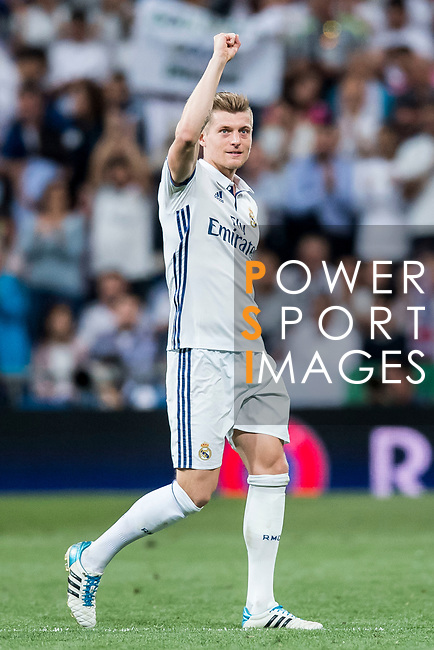 Toni Kroos of Real Madrid celebrates during their 2016-17 UEFA Champions League Quarter-finals second leg match between Real Madrid and FC Bayern Munich at the Estadio Santiago Bernabeu on 18 April 2017 in Madrid, Spain. Photo by Diego Gonzalez Souto / Power Sport Images