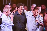 PA - POLITICA -LULA- ** ATENCAO, EDITOR: FOTO EMBARGADA PARA VEICULOS DO ESTADO DO PARA **  ex-presidente Luiz Inacio Lula da Silva participa de comicio do candidato Helder Barbalho pelo PMDB com senador jader barbalho, com dirigentes, lideres, prefeitos e deputados estaduais e federais, promovido pelo PT e PMDB-pa,  arterial 18, ananindeua-para, nesta quarta- feira(15).<br />  <br /> Foto: TARSO SARRAF