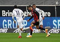 Andre Silva (Eintracht Frankfurt) gegen Florian Grillitsch (TSG 1899 Hoffenheim), Kasim Nuhu (TSG 1899 Hoffenheim)<br /> - 03.10.2020: Fussball  Bundesliga, Saison 20/21, Spieltag 3, Eintracht Frankfurt vs. TSG 1899 Hoffenheim, emonline, emspor, v.l. Deutsche Bank Park<br /> Foto: Marc Schueler/Sportpics.de <br /> Nur für journalistische Zwecke. Only for editorial use. (DFL/DFB REGULATIONS PROHIBIT ANY USE OF PHOTOGRAPHS as IMAGE SEQUENCES and/or QUASI-VIDEO)
