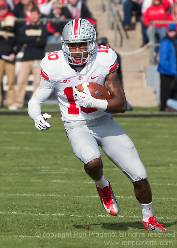 Ohio State wide receiver Corey Brown (10). The Ohio State Buckeyes defeated the Purdue Boilermakers 56-0 at Ross-Ade Stadium, West Lafayette, Indiana on November2, 2013.