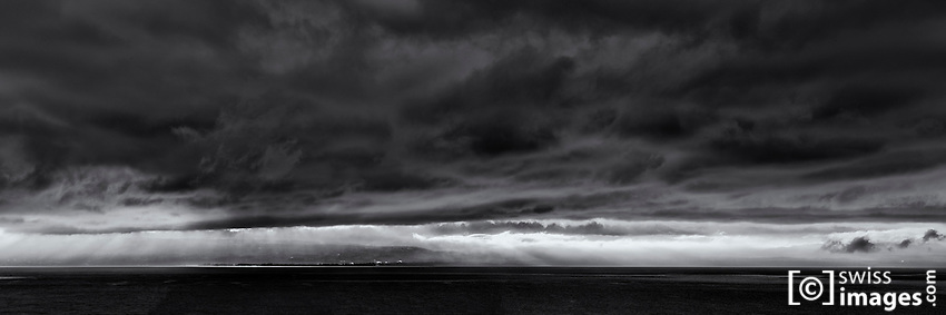 View on Lake Léman during a windy day