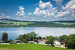 Oesterreich, Salzburger Land, Flachgau, der Wallersee bei Henndorf am Wallersee mit dem Hotel Seebrunn   Austria, Salzburger Land, region Flachgau, Waller Lake near Henndorf am Wallersee with Hotel Seebrunn