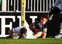 Photo: Richard Lane/Richard Lane Photography. Exeter Chiefs v Wasps. Aviva Premiership. 22/11/2014.  Wasps' Rob Miller dives in for a try.