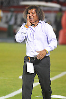 BARRANQUIILLA -COLOMBIA-13-12-2015: Alberto Gamero técnico de Deportes Tolima gesticula durante partido de vuelta entre Atletico Junior e Deportes Tolima por las semifinales de la Liga Aguila II 2015, jugado en el estadio Metropolitano Roberto Melendez de la ciudad de Barranquilla. / Alberto Gamero coach of Deportes Tolima ellin gestures during a match for the second leg between Atletico Junior and Deportes Tolima for the semifinals of the Liga Aguila II 2015 played at the Metroplitano Roberto Melendez stadium in Barranquilla city.  Photo: VizzorImage/Alfonso Cervantes/