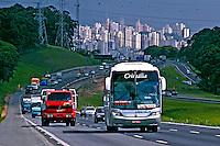 Rodovia dos Bandeirantes. São Paulo. 2005. Foto de Juca Martins.