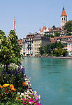 CHE, Schweiz, Kanton Bern, Berner Oberland, Thun: Altstadt mit Stadtkirche, Schloss Thun, der Inneren Aare | CHE, Switzerland, Bern Canton, Bernese Oberland, Thun: Old Town with Town Church, castle Thun, Inner Aare river