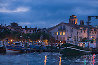 Europe/France/Aquitaine/64/Pyrénées-Atlantiques/Pays Basque/Saint-Jean-de-Luz: le port de pêche la nuit