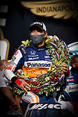 Winner #30: Takuma Sato, Rahal Letterman Lanigan Racing Honda in Victory Lane, podium