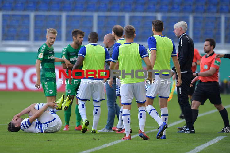 11.08.2019 , Schauinsland-Reisen Arena, Duisburg, DFB Pokal<br /> <br /> DFB REGULATIONS PROHIBIT ANY USE OF PHOTOGRAPHS AS IMAGE SEQUENCES AND/OR QUASI-VIDEO.<br /> <br /> im Bild / picture shows aufregung an der Linie nachdem Foul con Marco Caligiuri ( Greuther Fuerth #13 ) an Moritz Stoppelkamp ( MSV Duisburg #10 ).<br /> <br /> <br /> Foto © nordphoto / Freund
