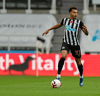 1st November 2020; St James Park, Newcastle, Tyne and Wear, England; English Premier League Football, Newcastle United versus Everton; Jacob Murphy of Newcastle comes forward on the ball