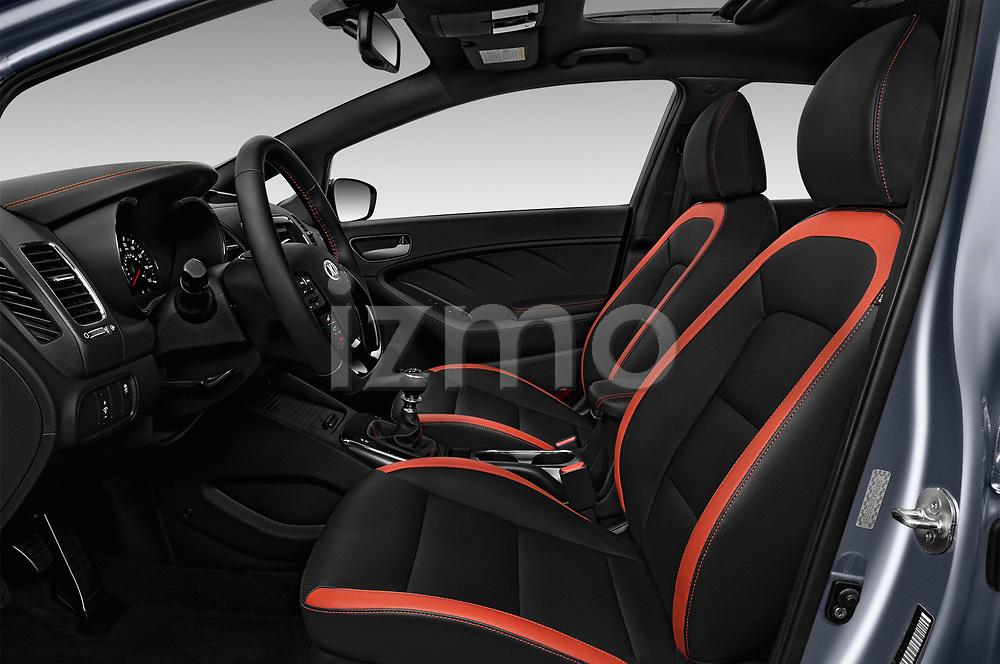 Front seat view of 2018 KIA Forte5 SX 5 Door Hatchback Front Seat  car photos