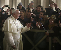 Papa Francesco saluta i fedeli dopo aver reso omaggio al Presepe in Piazza San Pietro. Città del Vaticano, 31 dicembre 2018.<br /> Pope Francis greets faithful during his visit to the Nativity scene, following the Te Deum prayer for the year 2018 at the Vatican on December 31, 2018.<br /> UPDATE IMAGES PRESS/Isabella Bonotto<br /> <br /> STRICTLY ONLY FOR EDITORIAL USE