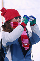 Touristin auf dem Jungfraujoch, Berner Oberland, Schweiz, Unesco-Weltkulturerbe