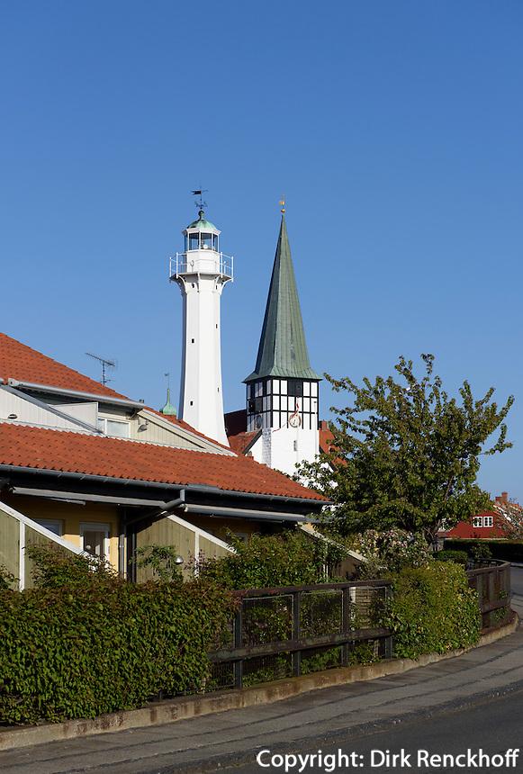 Nikolai-Kirche und Leuchtturm in Rønne, Insel Bornholm, Dänemark, Europa<br /> Nikolai Church and lighthouse, Roenne, Isle of Bornholm, Denmark