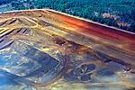 Aerea de extração de minerio Niobio. Companhia Brasileira de Metalurgia e Mineração, CBMM. Araxa. Minas Gerias. 1992. Foto de Juca Martins.