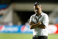 CALI -COLOMBIA-15-08-2016. Nestor Daniel Rodriguez tecnico de Bogotá FC durante partido de la fecha 7 vuelta con América de Cali  del Torneo Águila 2016 jugado en el estadio Pascual Guerrero de la ciudad de Cali. / Nestor Daniel Rodriguez coach of Bogota FC during the date 7 second leg match against América de Cali of the Aguila Tournament 2016 played at Pascual Guerrero stadium in Cali. Photo: VizzorImage/ Christian Cadavid Soto / Cont
