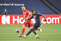 23rd August 2020, Estádio da Luz, Lison, Portugal; UEFA Champions League final, Paris St Germain versus Bayern Munich; Niklas SUELE (M) watches as NEYMAR (PSG) gets his shot on goal