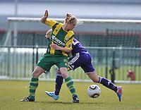 RSC Anderlecht Dames - ADO Den Haag : Marissa Compier in een duel.foto DAVID CATRY / Nikonpro.be