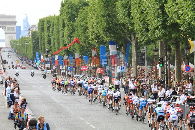 The peloton on the Champs-Elysees during the final Stage 20 of the 2010 Tour de France running 102.5km from Longjumeau to Paris Champs-Elysees, France. 25th July 2010.<br /> (Photo by Eoin Clarke/NEWSFILE).<br /> All photos usage must carry mandatory copyright credit (© NEWSFILE | Eoin Clarke)