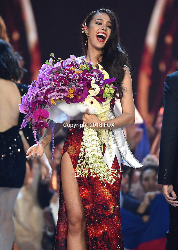 BANGKOK, THAILAND - DECEMBER 17:  Miss Philippines Catriona Gray is crowned 2018 Miss Universe onstage on the 2018 MISS UNIVERSE competition at the Impact Arena in Bangkok, Thailand on December 17, 2018. (Photo by Frank Micelotta/FOX/PictureGroup)