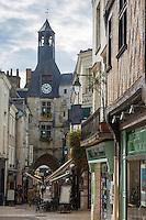 France, Indre-et-Loire (37), Amboise, Vallée de la Loire classée Patrimoine Mondial de l'UNESCO, Tour de l'Horloge et rue de la Concorde // France, Indre et Loire, Amboise, Loire Valley listed as World Heritage by UNESCO, Tour de l'Horloge' (the Clock Tower).