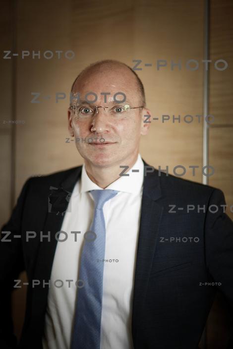 Interview und Portrait mit Urs Riedener CEO von Emmi Schweiz im Hauptsitz in Luzern am 12. Mai 2014 <br /> <br /> Copyright © Zvonimir Pisonic