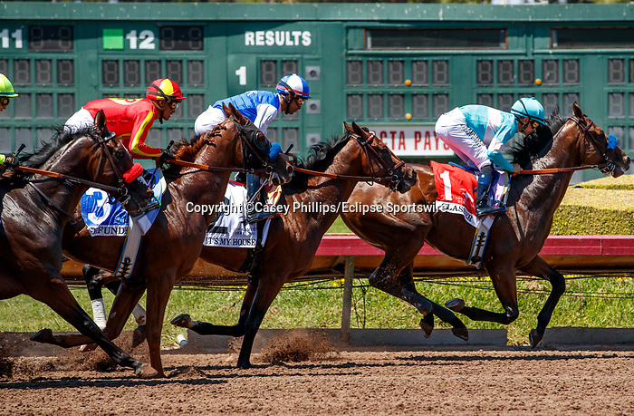 ARCADIA, CA  JULY 4:  The field first time past the stands in the Los Alamitos Derby (Grade lll) on July 4, 2021 at Los Alamitos Race Course in Los Alamitos, CA.  (Photo by Casey Pnillips/ Eclipse Sportswire/ CSM)