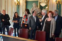 Vendredi 7 octobre 2016 - Paris, France - FranÁois HOLLANDE, prÈsident de la RÈpublique, se rend au siËge de la SACD pour rencontrer un panel díauteurs