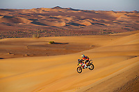 16 Benavides Luciano (arg), KTM, Red Bull KTM Factory Team, Moto, Bike, Motul, action during Stage 11 of the Dakar 2020 between Shubaytah and Haradh, 744 km - SS 379 km, in Saudi Arabia, on January 16, 2020  <br /> Rally Dakar <br /> 16/01/2020 <br /> Photo DPPI / Panoramic / Insidefoto