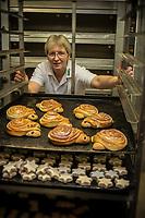 Europe/Allemagne/Bade-Würrtemberg/Forêt Noire/Haslach: Madame Moser boulangère de la boulangerie Jetter, AUTO N: 2012-422