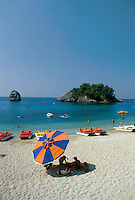 - a beach near Parga, on the western coast ....- una spiaggia vicino a Parga, sulla costa occidentale