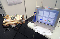 - Milano, salone dei makers, prototipo di sismografo realizzato con vecchi hard disk<br />