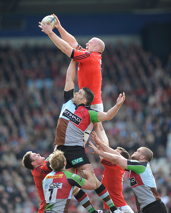 Paul O'Connell of Munster Rugby competes in the lineout against Nick Easter of Harlequins during the Heineken Cup quarter final match between Harlequins and Munster at the Twickenham Stoop on Sunday 7th April 2013 (Photo by Rob Munro)