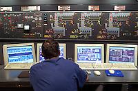 """- Milan, incinerator and waste to energy plant """"Silla 2"""", control room<br /> <br /> - Milano, Inceneritore termovalorizzatore """"Silla 2"""", sala di controllo"""
