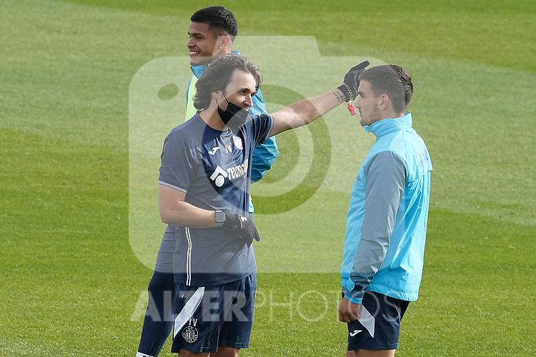 Getafe CF's second coach Javier Vidal with Mauro Arambarri during training session. December 10, 2020.(ALTERPHOTOS/Acero)