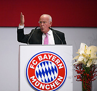 24.11.2017, Football Bundesliga 2017/2018,  FC Bayern Muenchen, Jahreshauptversammlung AUDI-Dome Muenchen. Walter Mennekes (BAyern)Rednerpult. *** Local Caption *** © pixathlon<br /> <br /> +++ NED + SUI out !!! +++<br /> Contact: +49-40-22 63 02 60 , info@pixathlon.de