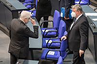 Deutscher Bundestag gedenkt am Internationalen Holocaustgedenktag der Opfer des Nationalsozialismus.<br /> Im Bild: Bundesinnenminister Horst Seehofer, CSU (links) spricht vor der Gedenkstunde mit Hermann Groehe, CDU und stellv. Vorsitzender der CDU/CSU-Fraktion (rechts).<br /> 27.1.2021, Berlin<br /> Copyright: Christian-Ditsch.de