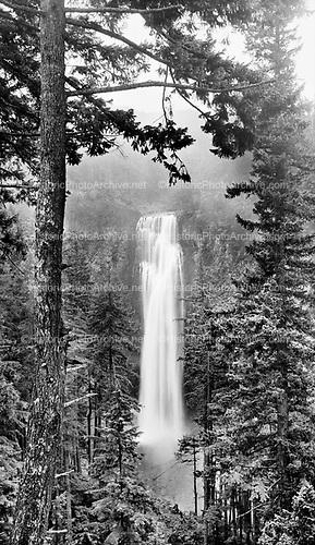 0405-N01 Salt Creek Falls, Oregon. 1930s in the Willamette National Forest, near Oakridge, Oregon