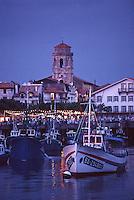 Europe/France/Aquitaine/64/Pyrénées-Atlantiques/Saint-Jean-de-Luz: Le port de pêche à la lumière du soir