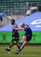 31st August 2020; Recreation Ground, Bath, Somerset, England; English Premiership Rugby, Rhys Priestland of Bath attempts a penalty kick but the ball rebounds from the post